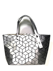 Горячая новинка! Футуристическая сумка от японского бренда Bao Bao